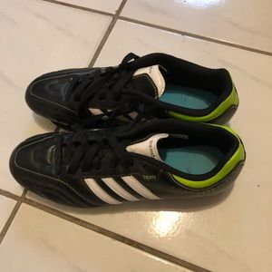 3/30$ Adidas Men's Soccer Cleats Size 8.5